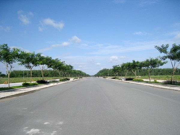 Nếu đầu tư ngắn hạn, khách hàng nên mua, bán đất Nhơn Trạch có công trình hạ tầng lớn và có khả năng tăng giá tốt
